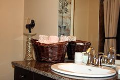 Basket to store towel looks great in a washroom