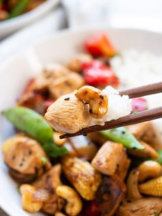 This Thai Cashew Chicken Stir-Fry is ideal for a quick and simple weeknight dinner, packed with veggies, cashews and chicken it's super tasty too! Easy Cashew Chicken Recipe, Chicken Cashew Stir Fry, Chicken Recipes, Best Picnic Food, Vegetarian Recipes, Healthy Recipes, Meat Recipes, Healthy Stir Fry, Lamb Stew