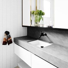 Bedonia is a unique Italian sandstone exclusive to ・・・ Some fresh artichokes in the main bathroom at East Melbourne Residence by 😉 Concrete Bathroom, Concrete Wood, Palette Furniture, Black And White Interior, Wet Rooms, Color Tile, Bathroom Styling, Bath Remodel, Bathroom Renovations