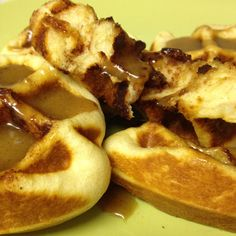 Cinnamon roll waffles... Holy Pinterest Batman, you have got to try this!! Pilsbery cinnamon rolls on a greased waffle iron for 2 1/2 min.