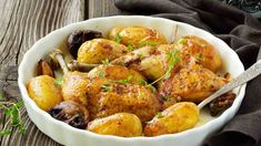 Hui, Tandoori Chicken, Bacon, Ethnic Recipes, Food, Baked Potato, Baked Chicken, Chicken Legs, Poultry