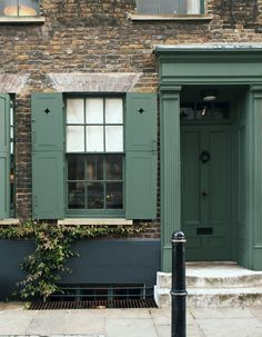 New front door color? Exterior woodwork and door painted in Farrow & Ball Green Smoke. Image from Decorating with Colour. Front Door Paint Colors, Painted Front Doors, Exterior Paint Colors, Exterior House Colors, Paint Colors For Home, Exterior Doors, Exterior Design, Paint Colours, Best Front Doors