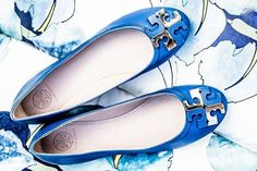 Ready for your next #vacation? #ToryBurch #Balletflats in captivating tones and stylish designs are a must-have accessory for your #wardrobe!    Update your favorite Tory Flats here: @darveys.com