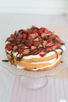 mansikkakakku-1-3 Pie, Sweet, Desserts, Torte, Candy, Tailgate Desserts, Cake, Deserts, Fruit Cakes