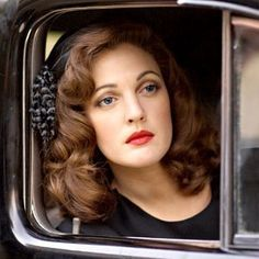 Old Hollywood Glamour/ 'Grey Gardens' Drew Barrymore hair, makeup. Looks Vintage, Style Vintage, Mode Vintage, Vintage Curls, 1940s Style Hair, 1940s Fashion Hair, Vintage Inspired, 1940s Hairstyles, Celebrity Hairstyles