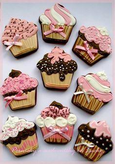 Cupcake shaped cookies...