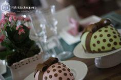 Mesa decorada para páscoa por Patricia Junqueira {Home, Receber & Baby} com coelhos da páscoa Decoração de páscoa