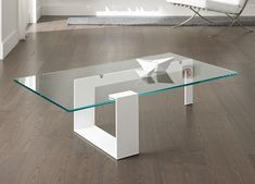 Plinsky Glass Coffee Table | Glass Coffee Tables by Tonelli Design
