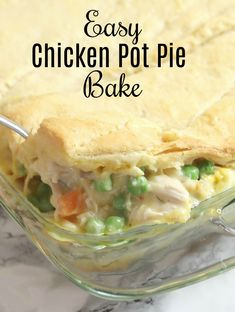 Sharing a delicious and easy chicken pot pie bake that is the perfect busy weekn… Sharing a delicious and easy chicken pot pie bake that is the perfect busy weeknight meal for fall Healthy Chicken Pot Pie, Chicken Pot Pie Filling, Best Chicken Pot Pie, Chicken Pot Pie Casserole, Easy Casserole Recipes, Best Chicken Recipes, Pie Recipes, Cooking Recipes, Chicken Pot Pie Recipe Crescent Rolls