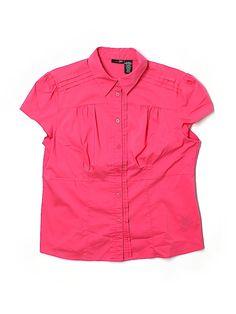 Check it out—East 5th Short Sleeve Button-Down Shirt for $6.99 at thredUP!