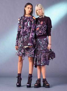 Versace segue apostando no esportivo sexy no pre-fall - Vogue | Desfiles