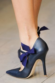 490d77f3699f 10 best Adoro Sapatos images on Pinterest