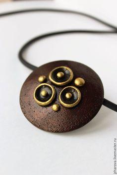 Купить Кулон из полимерной глины Оро - бордовый, золотой, золото, кулон крупный круглый