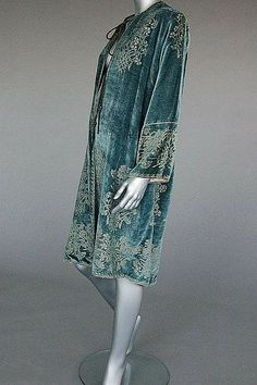 A fine Mariano Fortuny stencilled velvet jacket, early century, labelled to the pink faille lining, stencilled in silver with sprays of carnations. Vintage Outfits, Vintage Dresses, Vintage Fashion, Art Deco Fashion, Love Fashion, Fashion Design, Art Deco Stil, Mode Boho, Vintage Mode