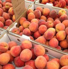 Peach Aesthetic, Aesthetic Food, Aesthetic Pastel, Think Food, Love Food, Just Peachy, Fruits And Veggies, Cravings, Food Porn