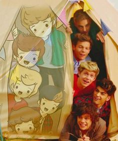 HOW CUTE IS THIS?!<3 Also, can we take a moment and appreciate each of their faces? I'm digging Zayn's in particular.