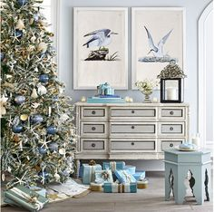 Turquoise, Tulips and Bliss: Turquoise, Christmas and Bliss!  via http://turquoisetulipsandbliss.blogspot.com/2012/12/turquoise-christmas-and-bliss.html#