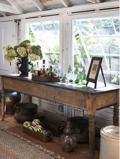 love the table, think I can make this. lol
