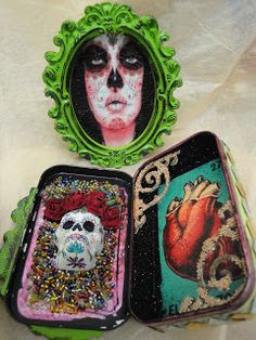 NICHO - Creative Paperclay® air dry modeling material; paper clay; Shrine, Tin box; Altered Altoid Tin