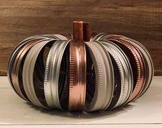 Mason Jar Pumpkin, Red Mason Jars, Ball Mason Jars, Mason Jar Centerpieces, Centerpiece Decorations, Pumpkin Pumpkin, Halloween Decorations, Fall Decorations, Halloween Mason Jars