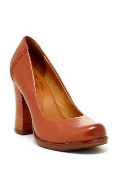 IN BLACK THO!! Simone Pump..love this shoe..