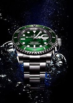 "Rolex Watches Collection : Rolex ""Incredible Hulk"" - Watches Topia - Watches: Best Lists, Trends & the Latest Styles Rolex Watches For Men, Fine Watches, Luxury Watches For Men, Sport Watches, Cool Watches, Rolex Submariner Green, Rolex Datejust, Omega Seamaster, Seamaster Watch"