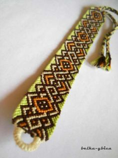 how to make an awesome Celtic friendship bracelet