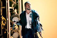 Kendrick Lamar Dituduh Curi Lukisan Seniman Afrika   Selepas berjaya mencuri perhatian ramai menerusi beberapa isu sebelum ini Kendrick Lamar kembali mencetus kontroversi baru.  Kali ini penyanyi Rap Amerika itu dituduh mencuri hasil karya lukisan yang ditampilkan dalam video muzik runut filem Black Panther.  Laporan New York Times menyebut artis visual Lina Iris Viktor mendakwa Kendrick Lamar telah melakukan kekeliruan ke atas lukisan yang ditampilkan di dalam video muzik bertajuk All the…