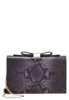 See by Chloé NORA - Clutch - nero £190.00    love  VintageClothing Shopping ed54551628a