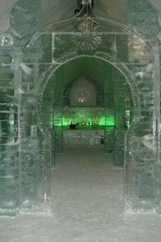 Ice Hotel in Quebec ~ beautiful or what. Not sure I could sleep there, but I really want to see it.