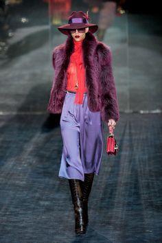 Gucci at Milan Fashion Week Fall 2011 - Runway Photos