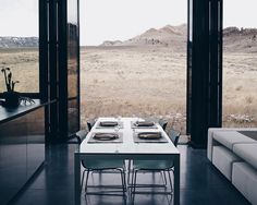 From a recent trip to Wyoming @emmielaw shared with us the picturesque dining scene of a modern residence in Wapiti Valley. Near the east border of Yellowstone National Park the home was designed by Studio BNA Architects and StudioRyker. To submit your photo to be featured as our next Photo of the Week use#dwellPOW . by dwellmagazine