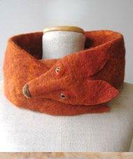 Echarpe feutrée en forme de renard