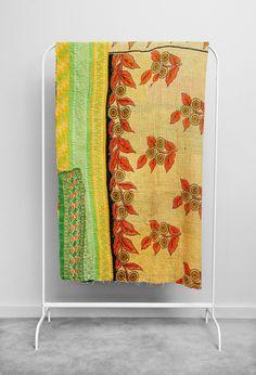 Kantha quilt - Image of Kantha Quilt The Vines
