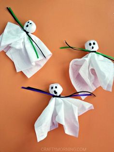 Lechones de fantasmas (invitación de Halloween) - mañana astuta
