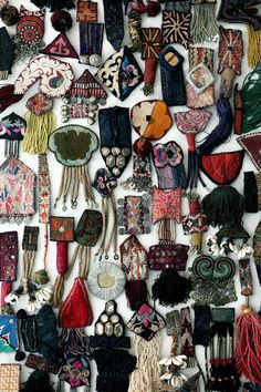 Online shopping from a great selection at Arts, Crafts & Sewing Store. Textile Jewelry, Fabric Jewelry, Jewelry Art, Jewellery, Sewing Crafts, Sewing Projects, Textile Fiber Art, Embroidery Art, Fabric Art