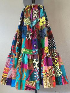 African Print Fashion, African Fashion Dresses, African Wear, African Dress, Peasant Skirt, Look Retro, Cute Crop Tops, Looks Chic, Patchwork Dress