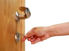 Don't worry if you're locked out or having issues with your locks. Call Interlocked, an emergency locksmith service provider in Hitchin who can sort your problem out quickly. We cover from Welwyn Garden City up to Sandy.