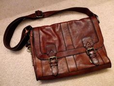 FOSSIL Vintage Reissue Brown Leather Messenger Bag Satchel Purse Brown  Leather Messenger Bag 0cbb9a09da71f