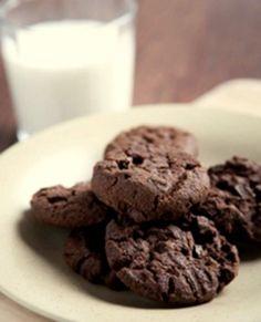 Sjokoladekjeks med sesam-mel | Marianne de Bourg Lchf, Mint, Cookies, Chocolate, Desserts, Food, Recipe, Crack Crackers, Tailgate Desserts