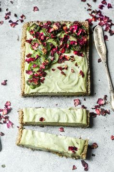 Raw Lime & KiwiBerry Tart