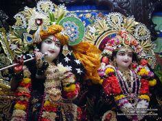 Sri Sri Radha Giridhari Close up Wallpaper