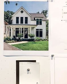 LOVE the Modern Farmhouse look. Sometimes you can't get any fresher than a simple black and white color scheme. House Exteriors, Black And White Colour, Modern Farmhouse, Color Schemes, Paint, Mansions, Canning, Interior Design, House Styles