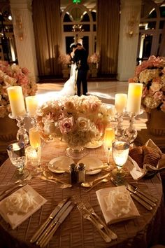love the table setting with the textured table cloth for the reception. (would like find the table cloth in another color)