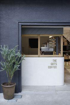 Gallery of The Gut's Coffee / Hidenori Tsuboi Architects - 4 Cafe Shop Design, Coffee Shop Interior Design, Small Cafe Design, Restaurant Interior Design, Modern Restaurant, Kiosk Design, Restaurant Furniture, Small Coffee Shop, Coffee Store