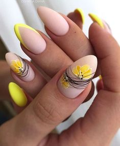 Chic Nails, Stylish Nails, Trendy Nails, Lemon Nails, Feather Nails, Romantic Nails, Pointed Nails, Almond Nails Designs, Oval Nails