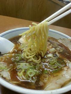昔ながらのしょうゆラーメン。ワンタン麺も美味しい。