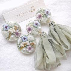 Diy Resin Art, Resin Crafts, Diy Crafts, Plastic Resin, Shrink Plastic, Pearl Earrings, Drop Earrings, Resin Jewelry, Hair Clips