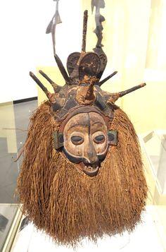 Ndeemba Mask for N-khanda initiation - Yaka people, Bandundu province