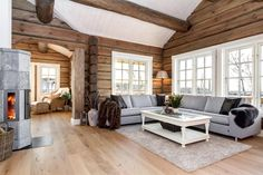 FINN – BUD MOTTATT - NYSTØLFJELLET - Praktfull tømmerhytte med panoramabeliggenhet 990 moh